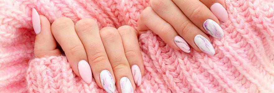 Produits de manicure chez soi